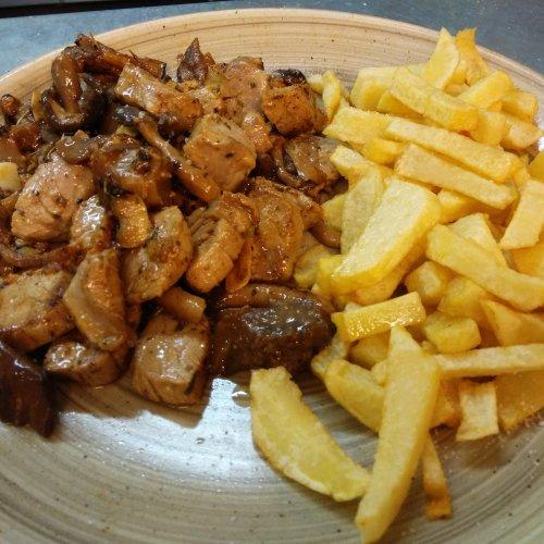 Carne a la Brava