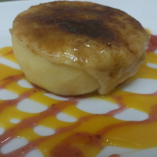 Manzana rellena de crema catalana